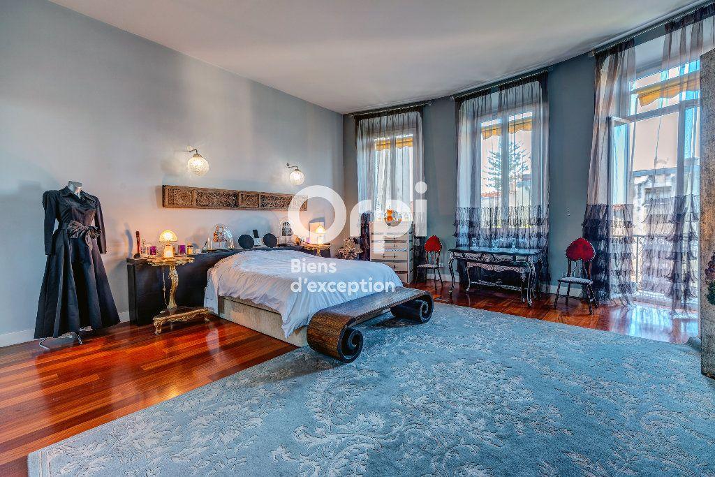 Appartement à vendre 7 233m2 à Nice vignette-2