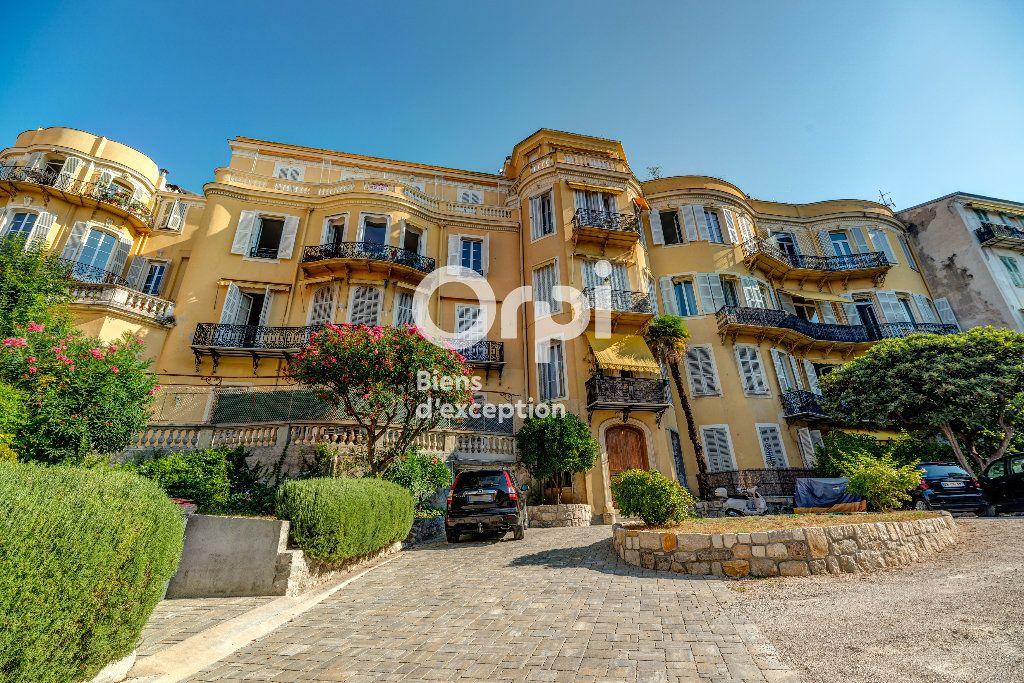 Appartement à vendre 7 233m2 à Nice vignette-3
