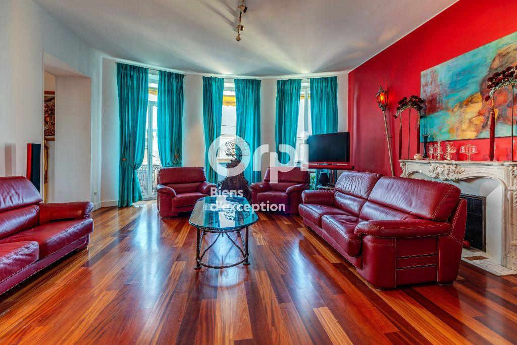 Appartement à vendre 7 233m2 à Nice vignette-4