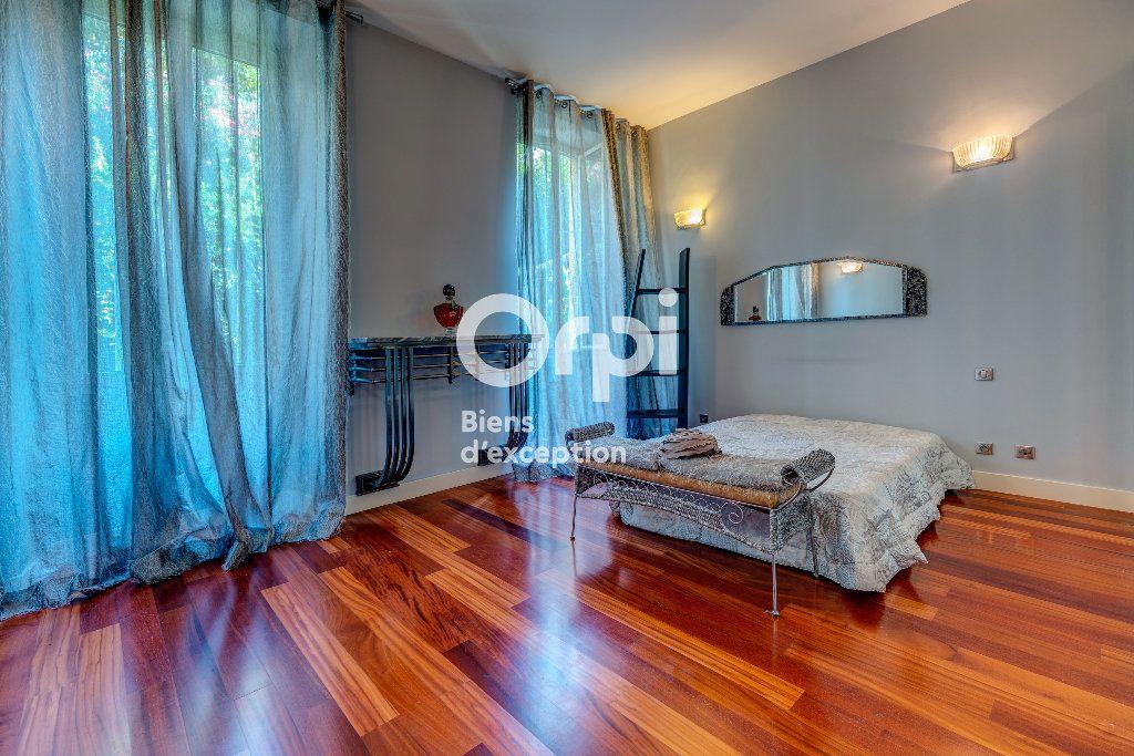 Appartement à vendre 7 233m2 à Nice vignette-11