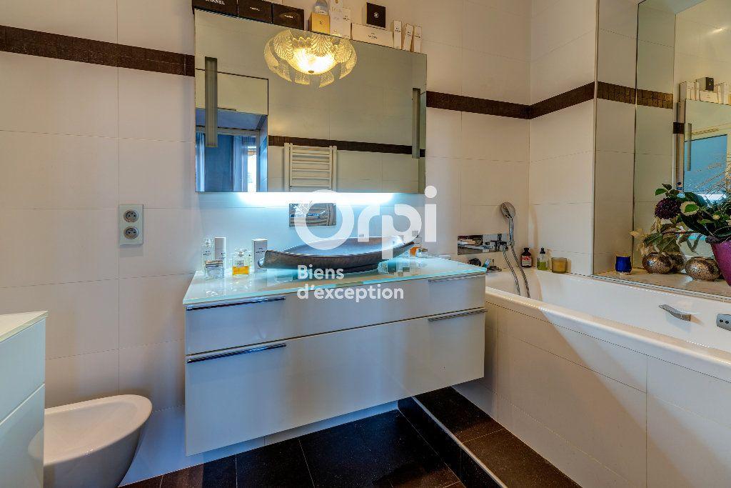 Appartement à vendre 7 233m2 à Nice vignette-12