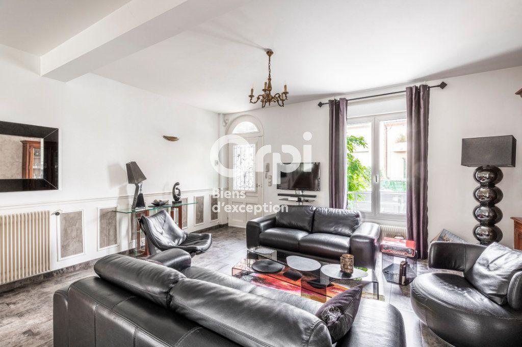 Maison à vendre 6 150m2 à Suresnes vignette-2