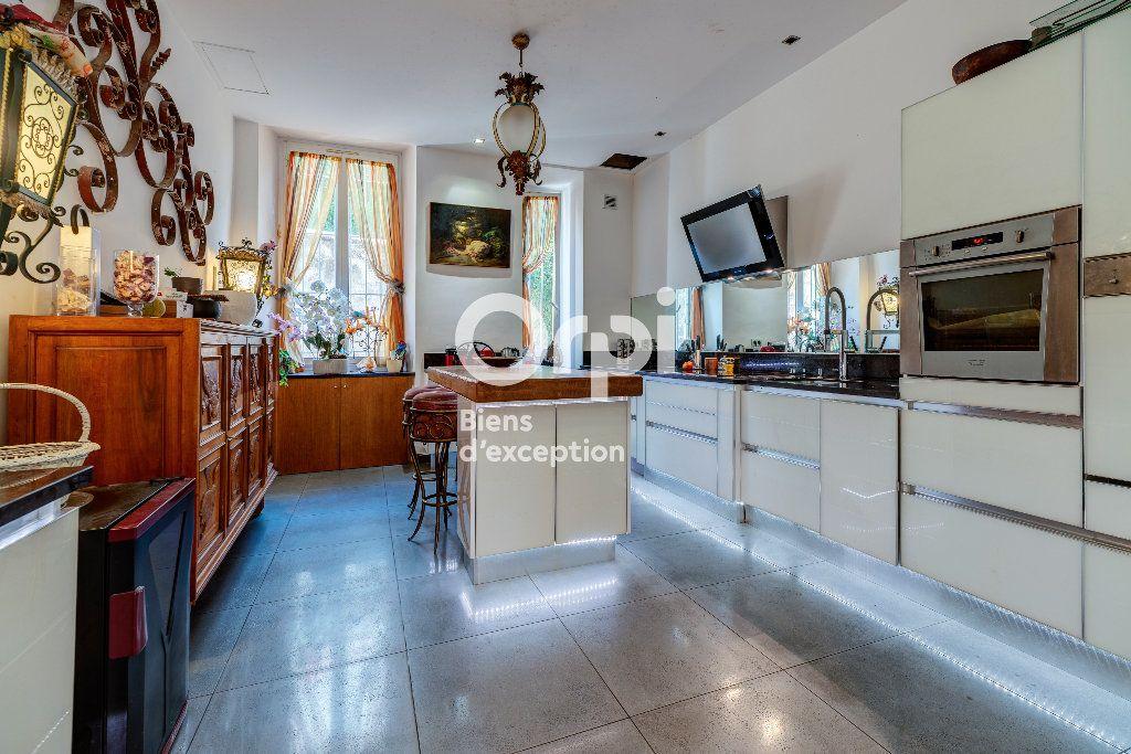Appartement à vendre 7 233m2 à Nice vignette-5