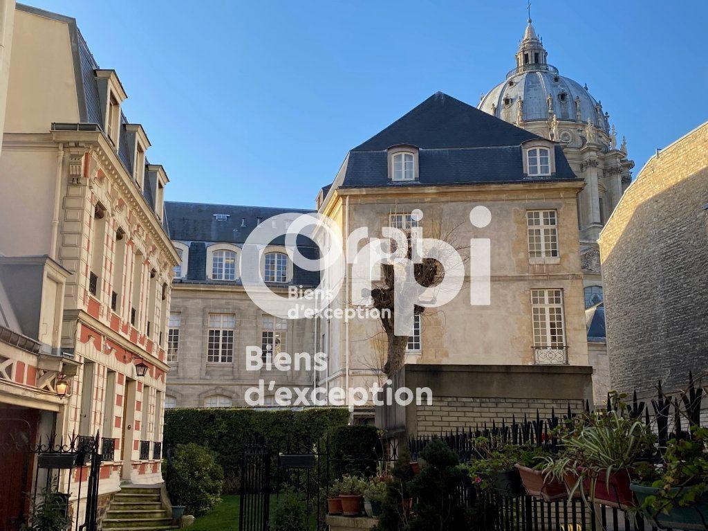 Maison à vendre 7 180m2 à Paris 5 vignette-1