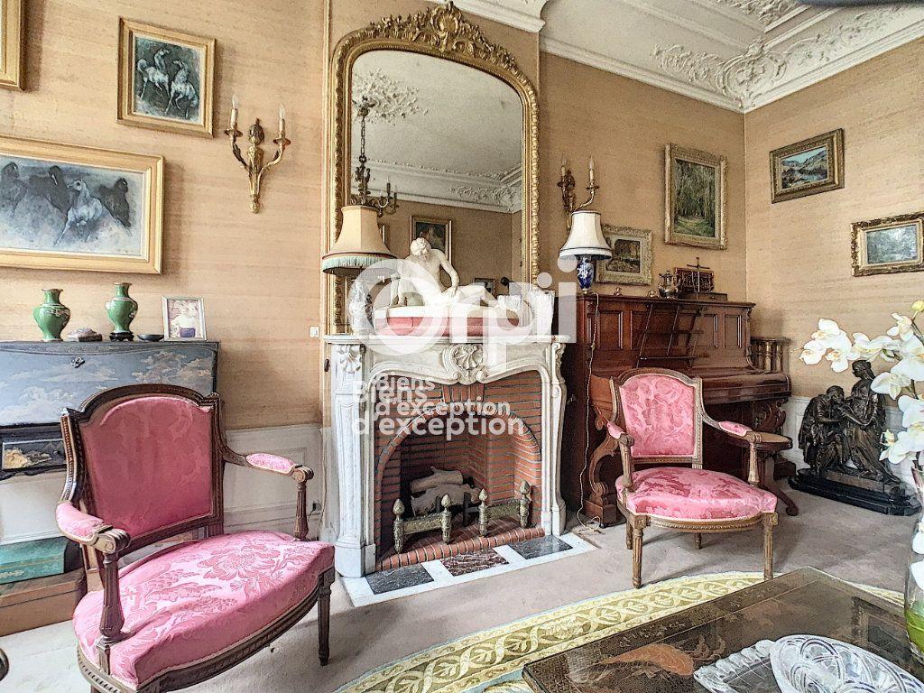 Maison à vendre 7 180m2 à Paris 5 vignette-4