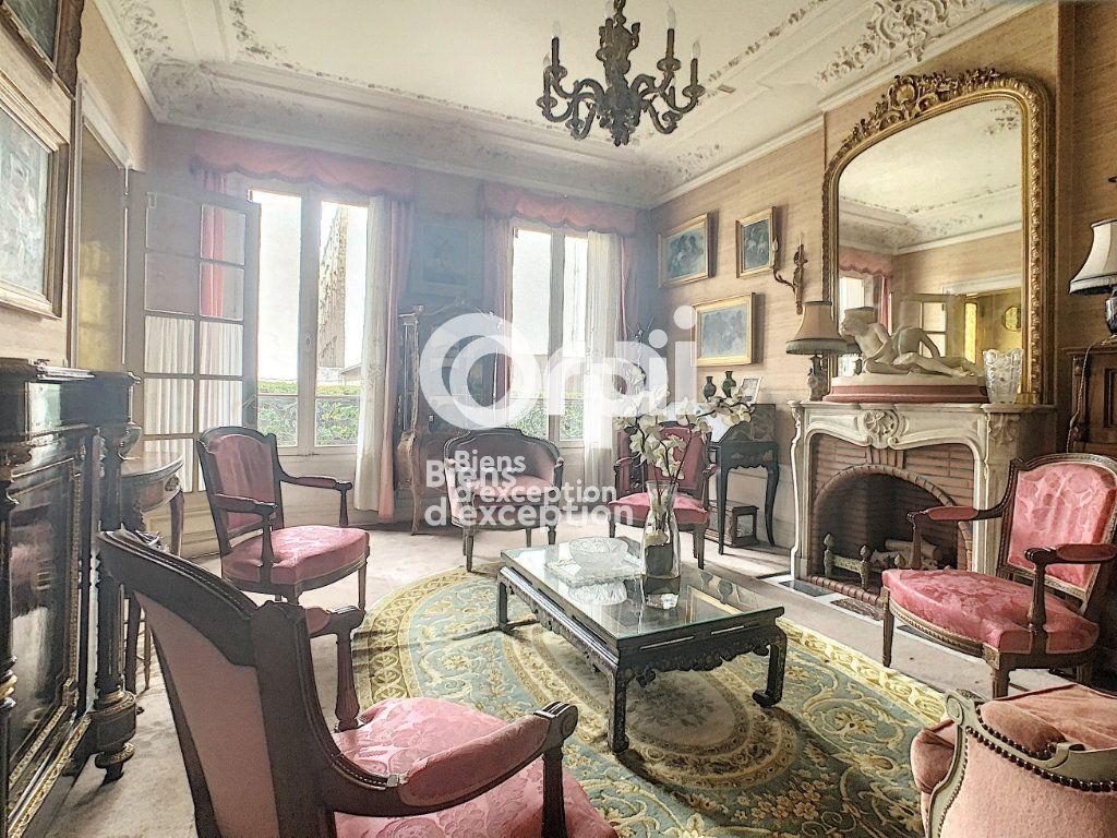Maison à vendre 7 180m2 à Paris 5 vignette-5