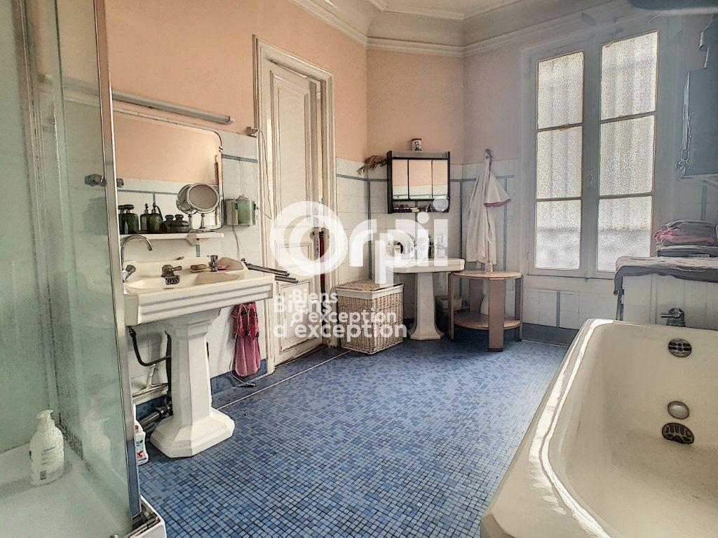 Maison à vendre 7 180m2 à Paris 5 vignette-12