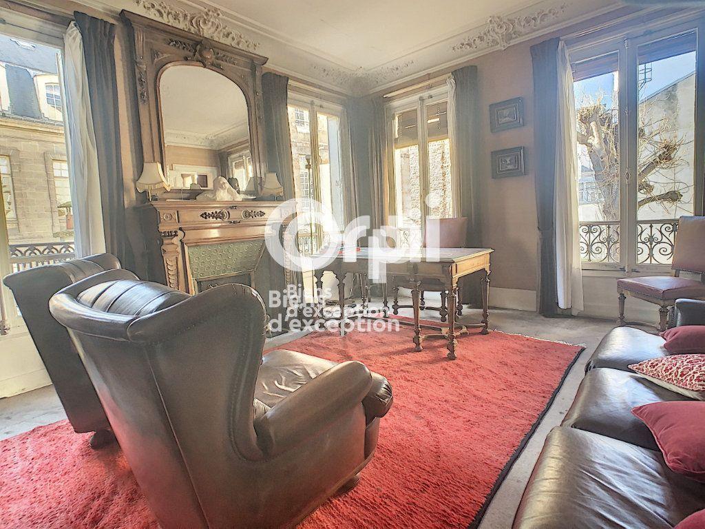 Maison à vendre 7 180m2 à Paris 5 vignette-16