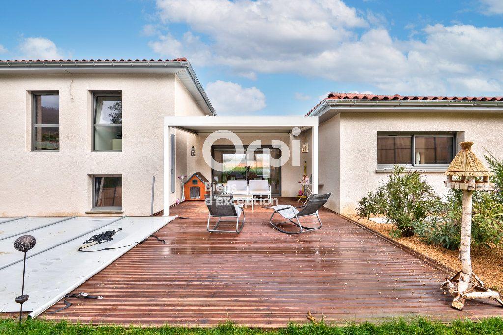 Maison à vendre 7 182m2 à Châtillon vignette-1