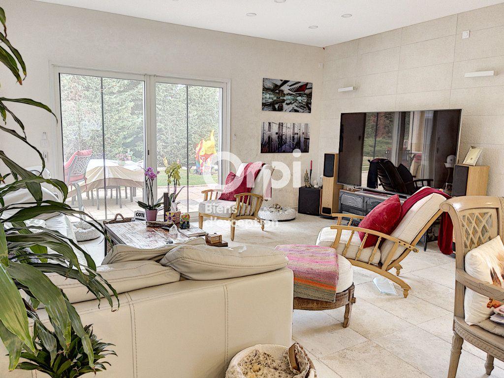 Maison à vendre 8 354m2 à Cagnes-sur-Mer vignette-2