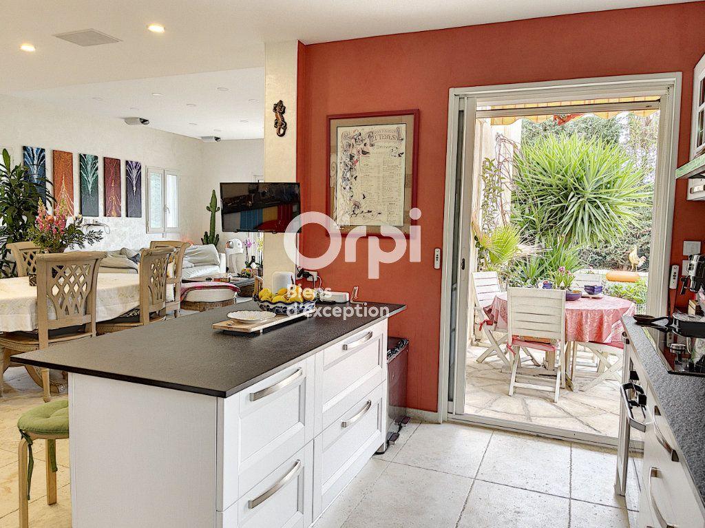 Maison à vendre 8 354m2 à Cagnes-sur-Mer vignette-3