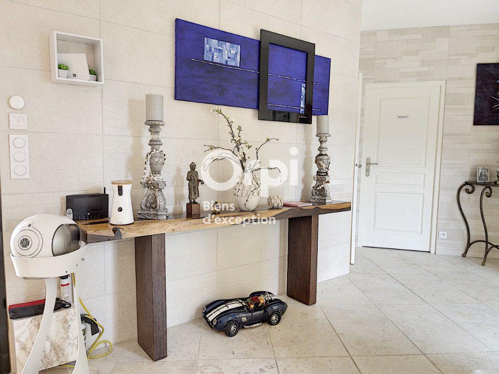 Maison à vendre 8 354m2 à Cagnes-sur-Mer vignette-8