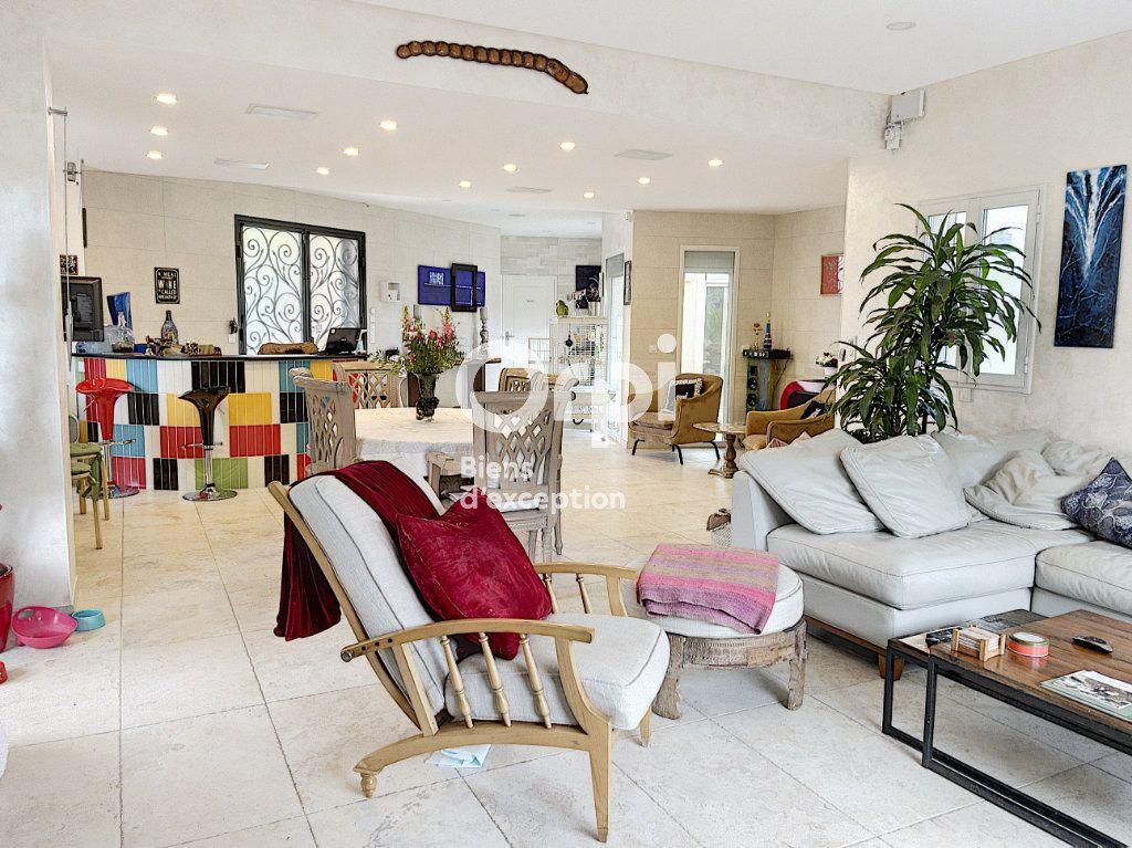 Maison à vendre 8 354m2 à Cagnes-sur-Mer vignette-10