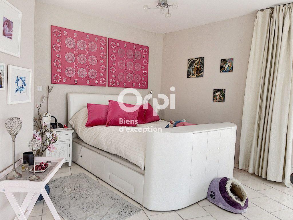 Maison à vendre 8 354m2 à Cagnes-sur-Mer vignette-12