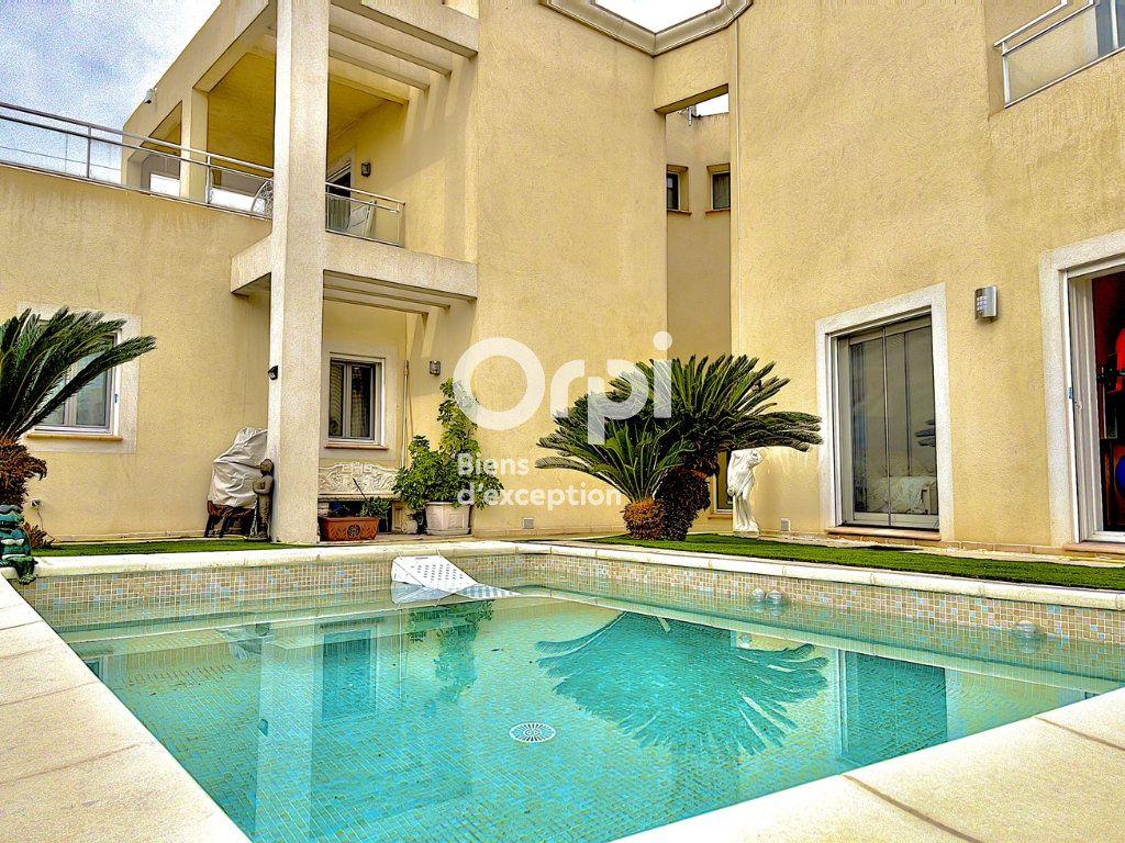Maison à vendre 8 354m2 à Cagnes-sur-Mer vignette-17