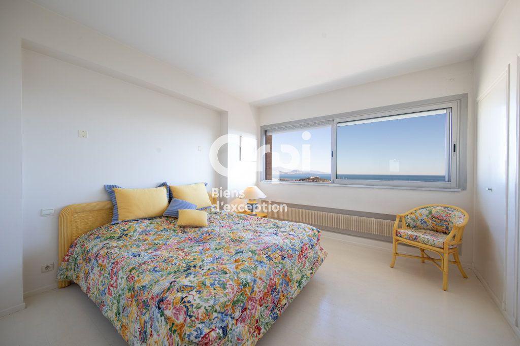Appartement à vendre 4 145m2 à Antibes vignette-3