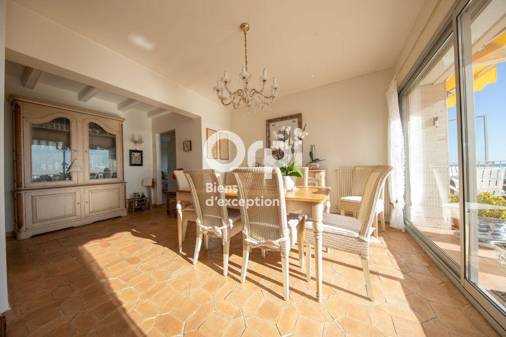 Appartement à vendre 4 145m2 à Antibes vignette-5