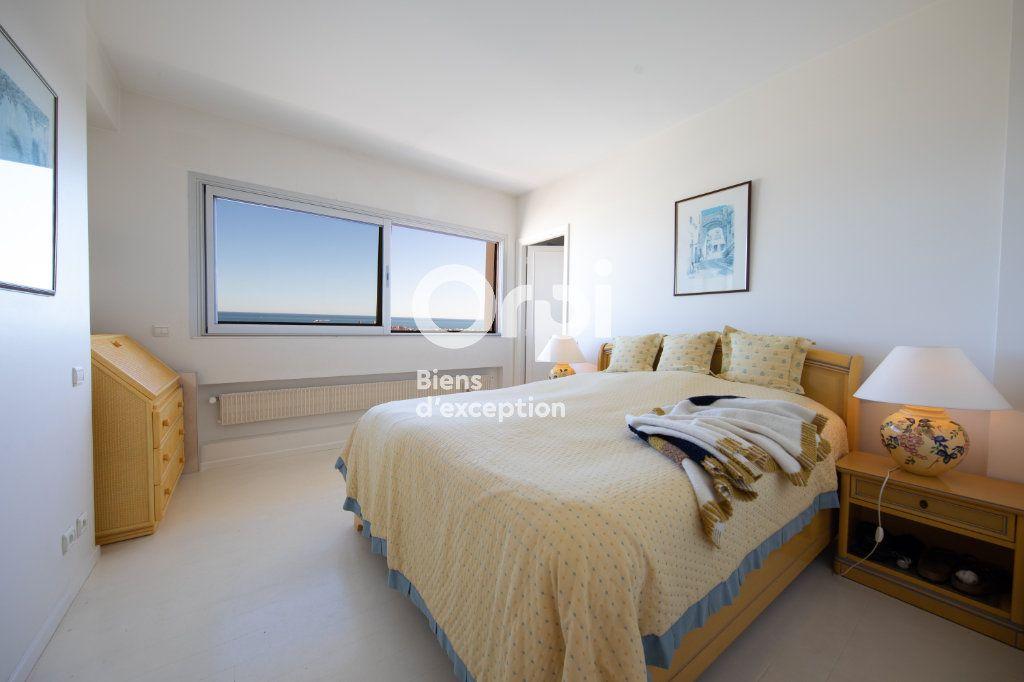Appartement à vendre 4 145m2 à Antibes vignette-7