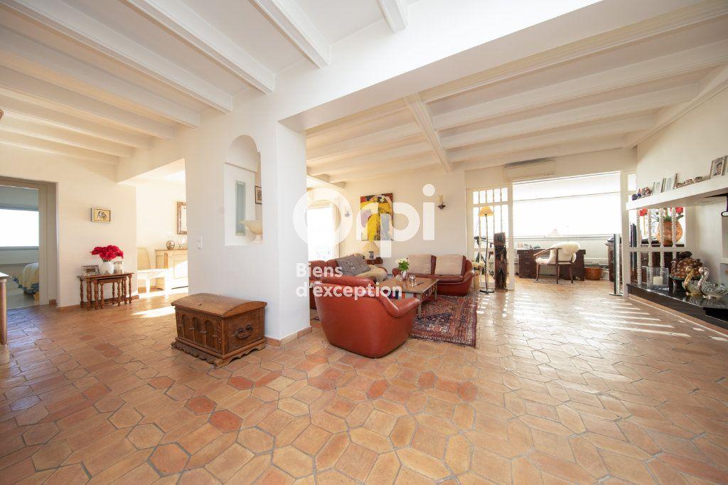 Appartement à vendre 4 145m2 à Antibes vignette-9