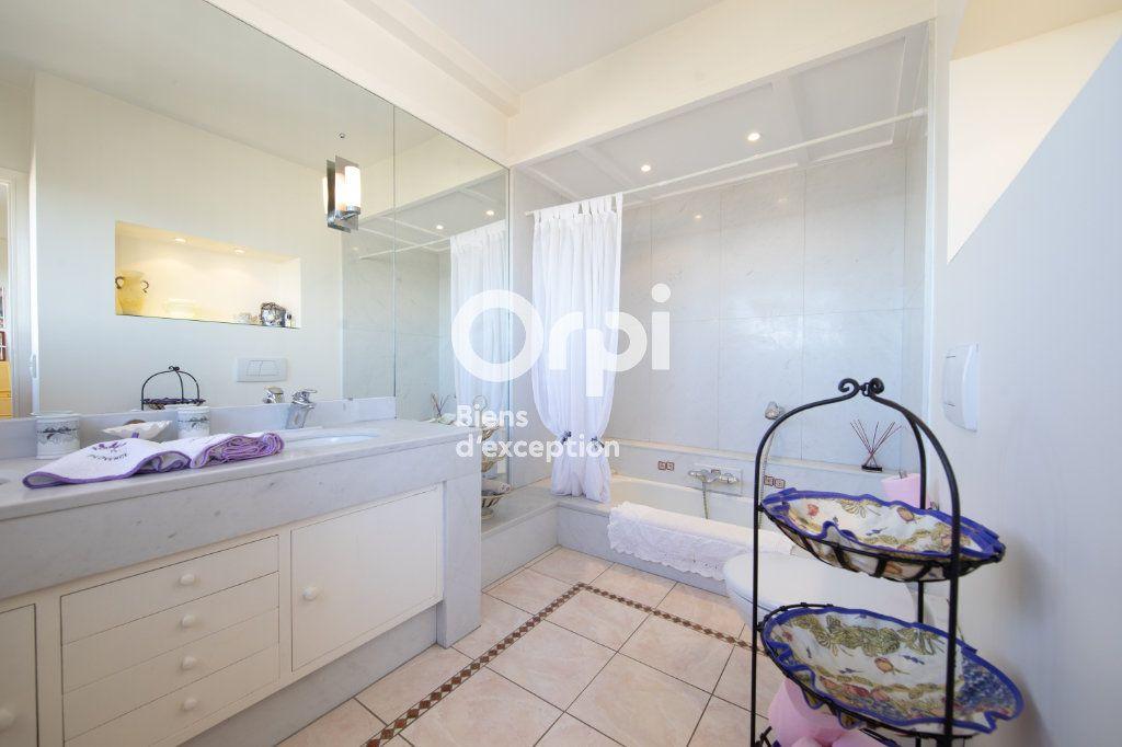 Appartement à vendre 4 145m2 à Antibes vignette-13