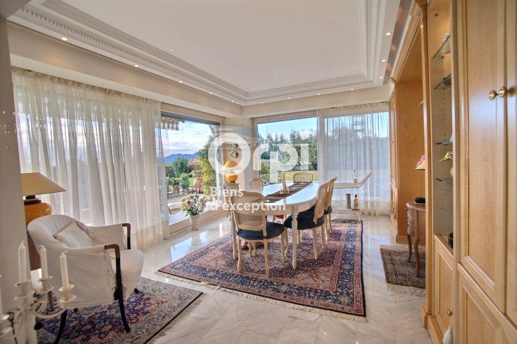 Appartement à vendre 4 156m2 à Cannes vignette-3
