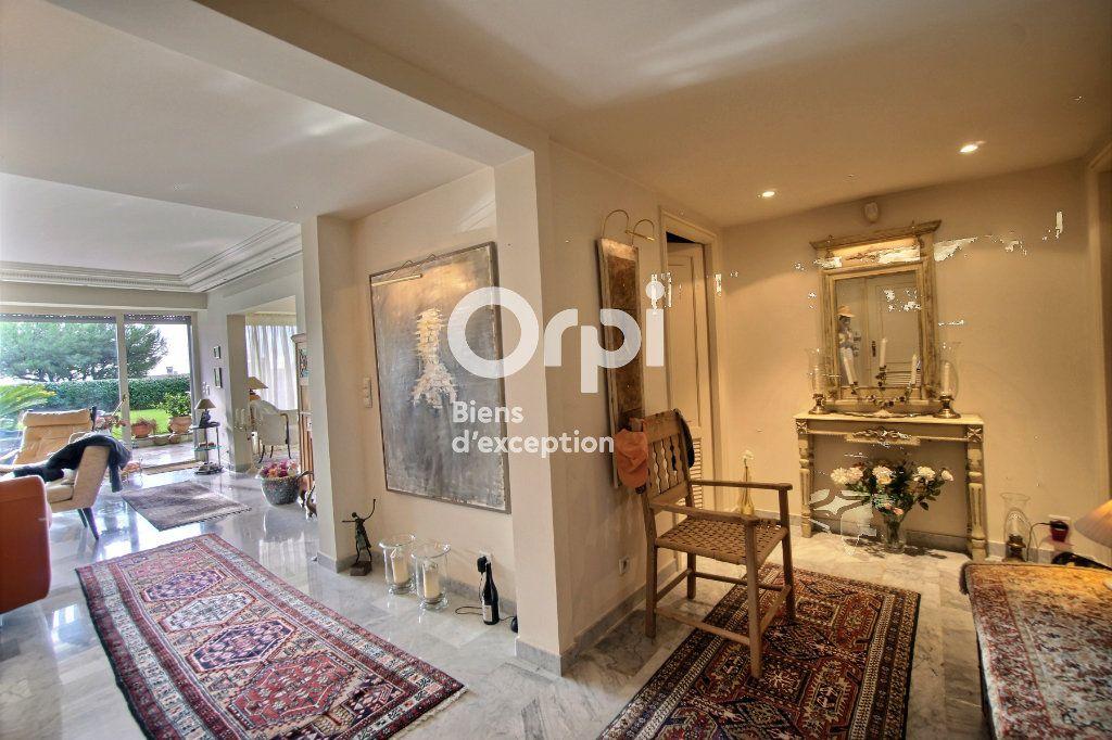 Appartement à vendre 4 156m2 à Cannes vignette-5