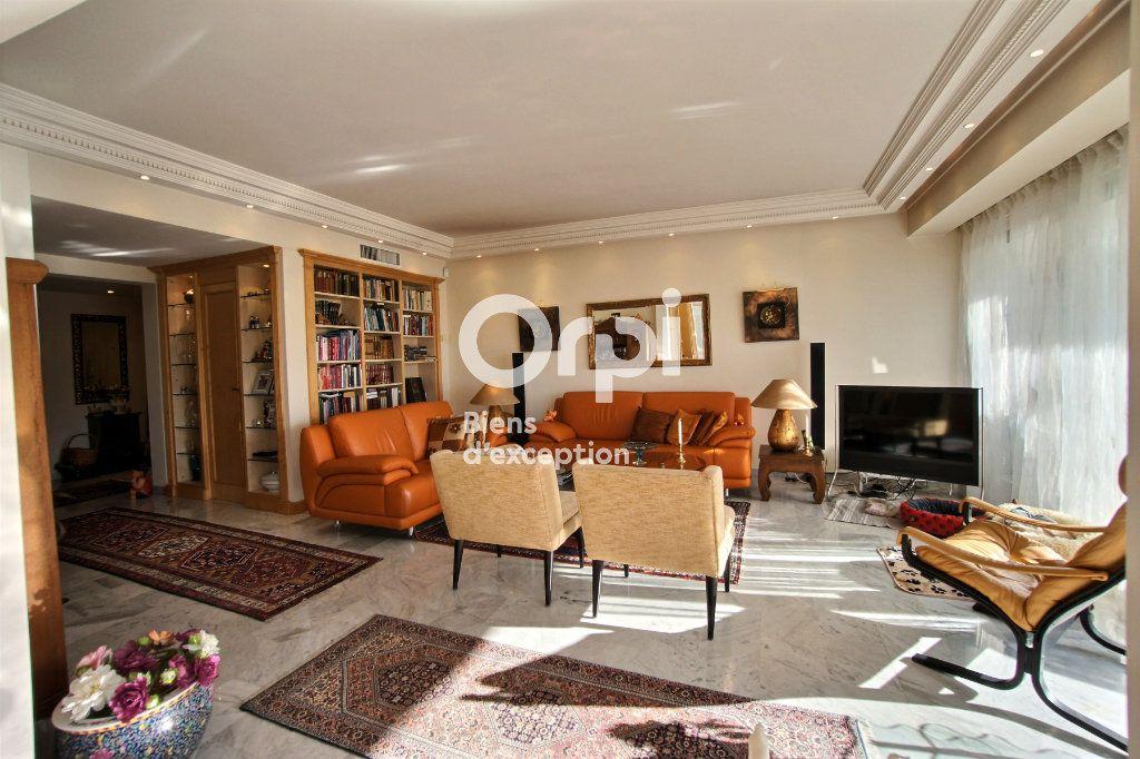 Appartement à vendre 4 156m2 à Cannes vignette-8