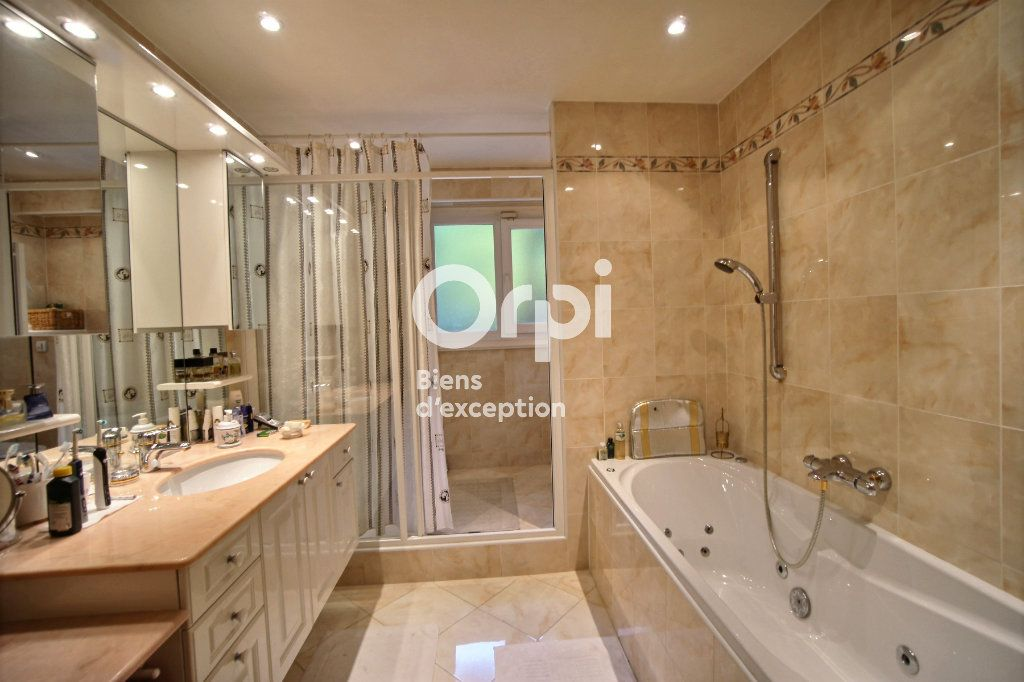 Appartement à vendre 4 156m2 à Cannes vignette-12