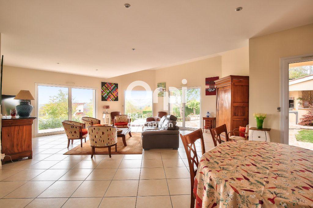 Maison à vendre 6 250m2 à Sainte-Colombe vignette-3