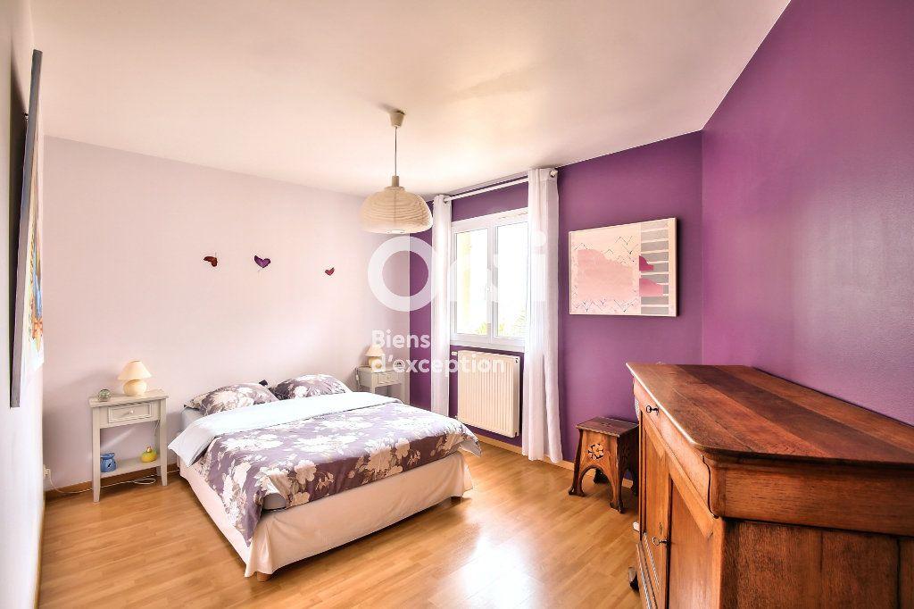 Maison à vendre 6 250m2 à Sainte-Colombe vignette-9