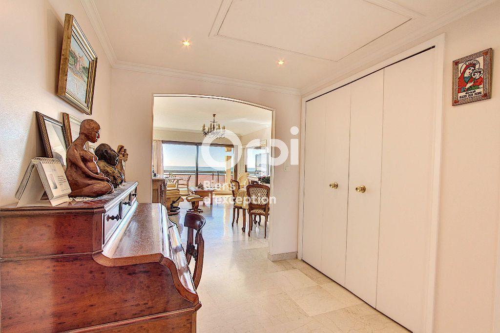 Appartement à vendre 3 84.66m2 à Juan-les-Pins - Antibes vignette-5