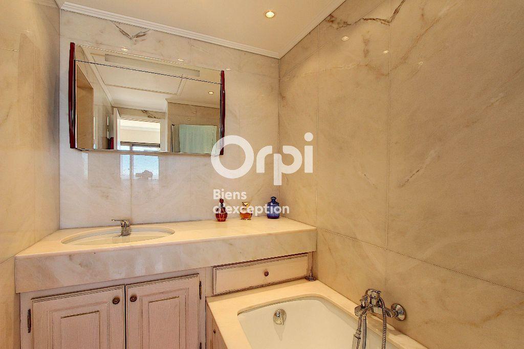 Appartement à vendre 3 84.66m2 à Juan-les-Pins - Antibes vignette-9