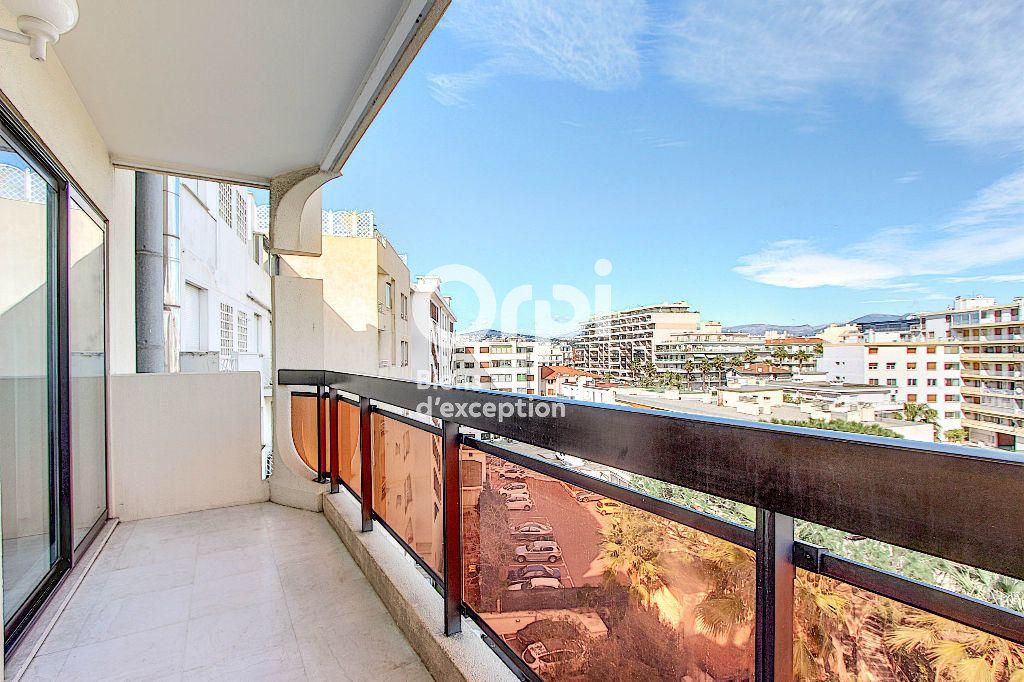 Appartement à vendre 3 84.66m2 à Juan-les-Pins - Antibes vignette-11