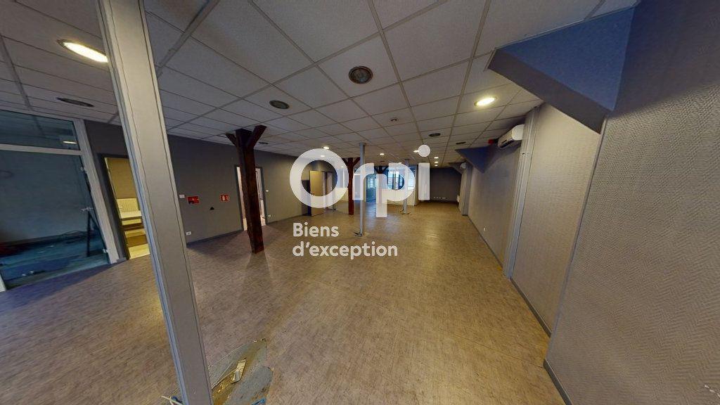 Immeuble à vendre 0 651m2 à Arras vignette-9