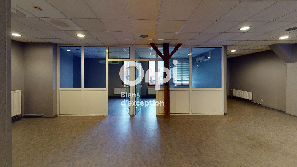 Immeuble à vendre 0 651m2 à Arras vignette-11