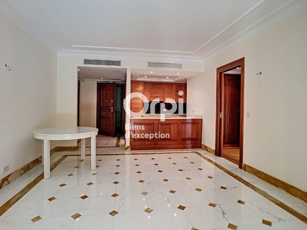 Appartement à vendre 2 58m2 à Cannes vignette-2