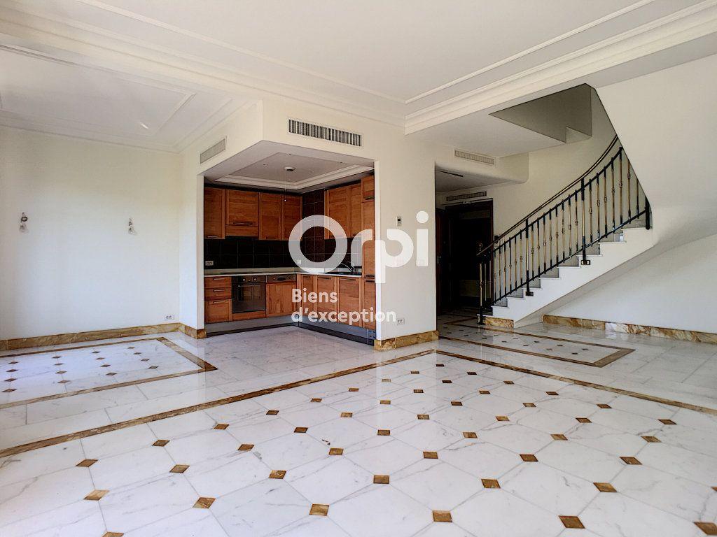 Appartement à vendre 4 69m2 à Cannes vignette-3