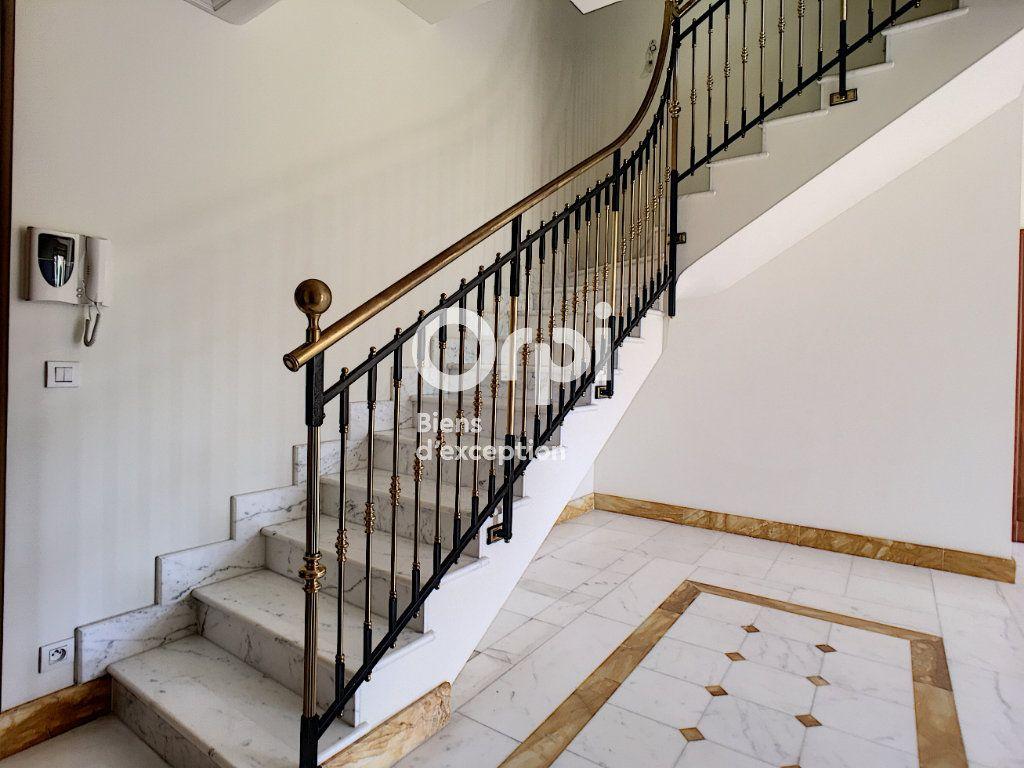 Appartement à vendre 4 69m2 à Cannes vignette-4