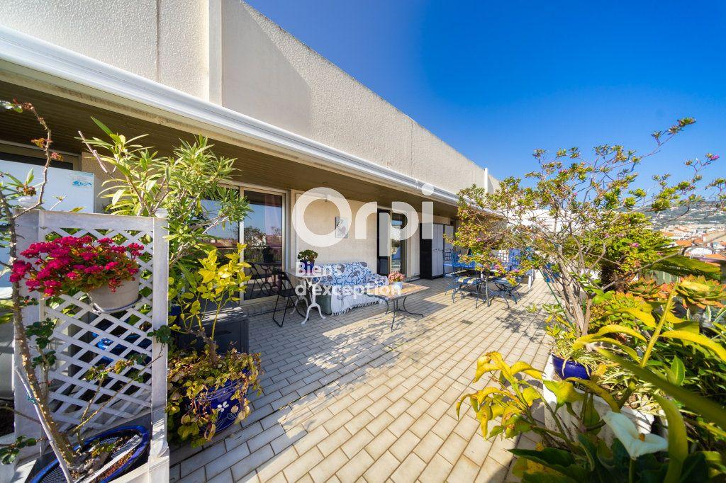 Appartement à vendre 3 90.03m2 à Cannes vignette-13