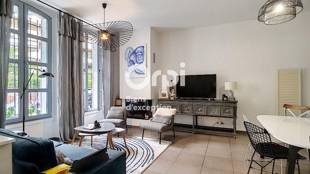 Maison à vendre 4 114m2 à Cannes vignette-1