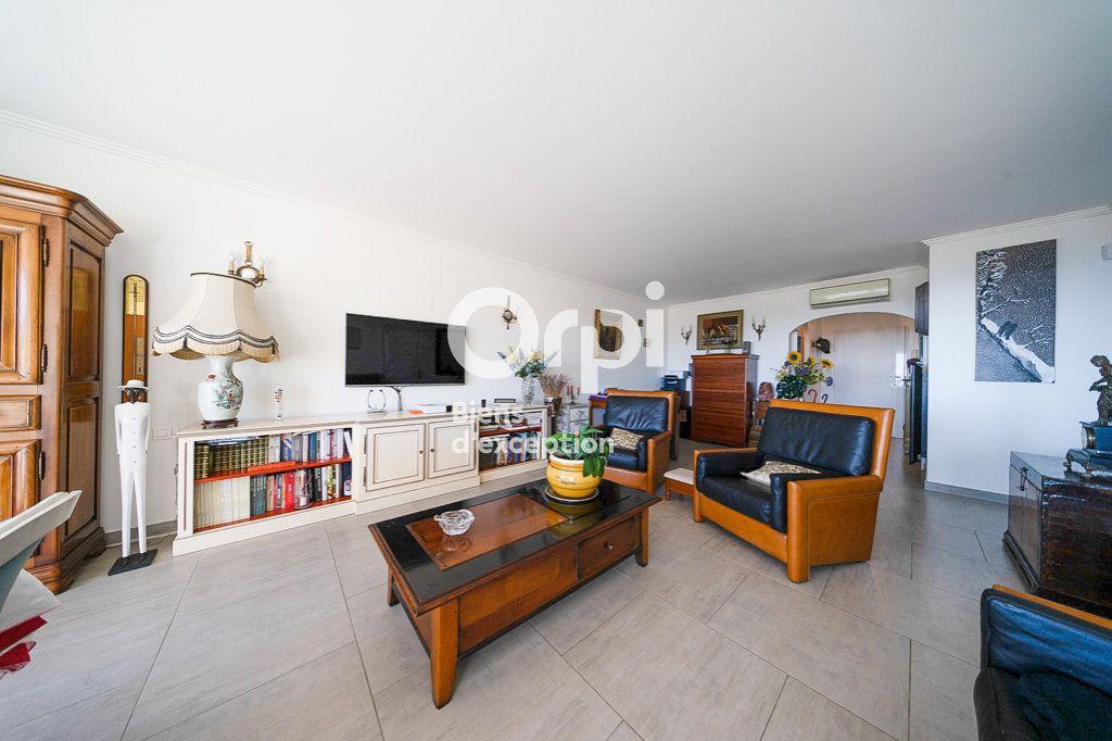 Appartement à vendre 4 109.03m2 à Le Cannet vignette-5