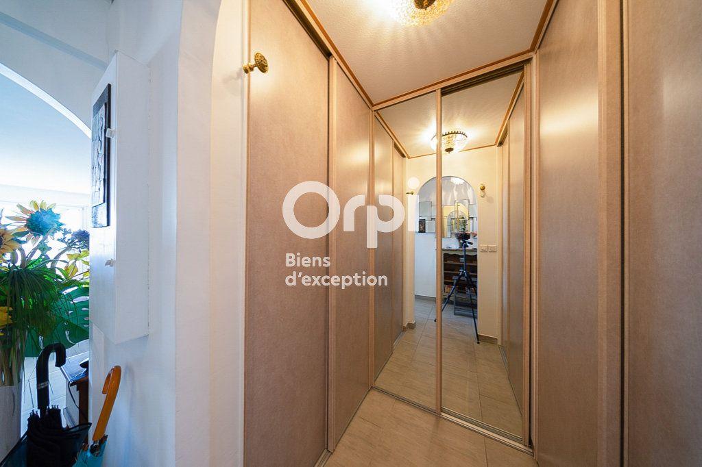 Appartement à vendre 4 109.03m2 à Le Cannet vignette-9
