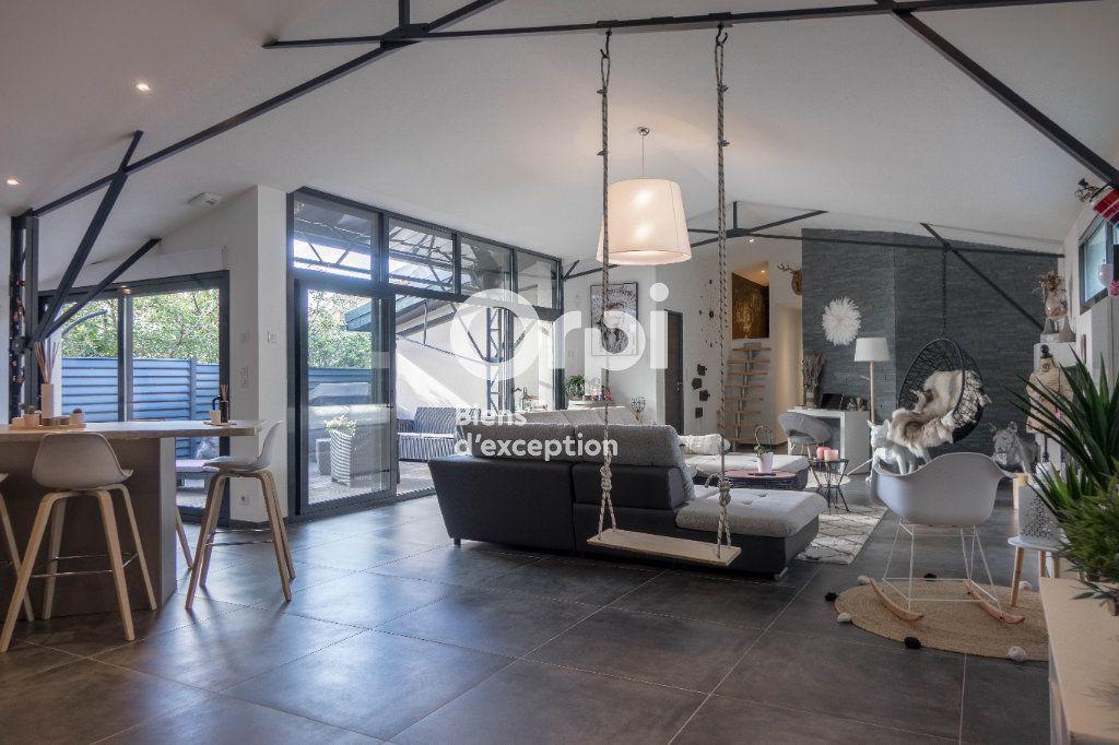 Appartement à vendre 5 160m2 à Fleury-les-Aubrais vignette-2