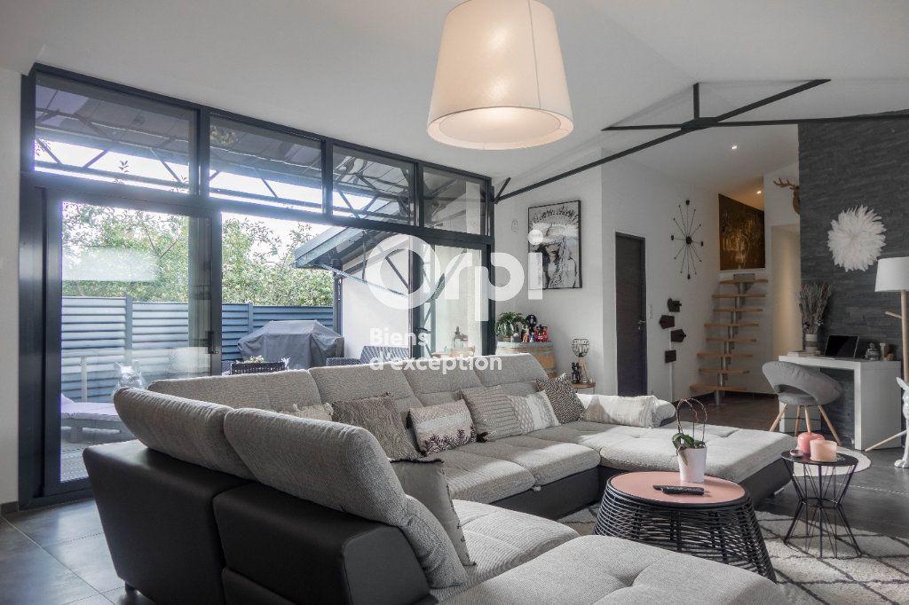 Appartement à vendre 5 160m2 à Fleury-les-Aubrais vignette-3