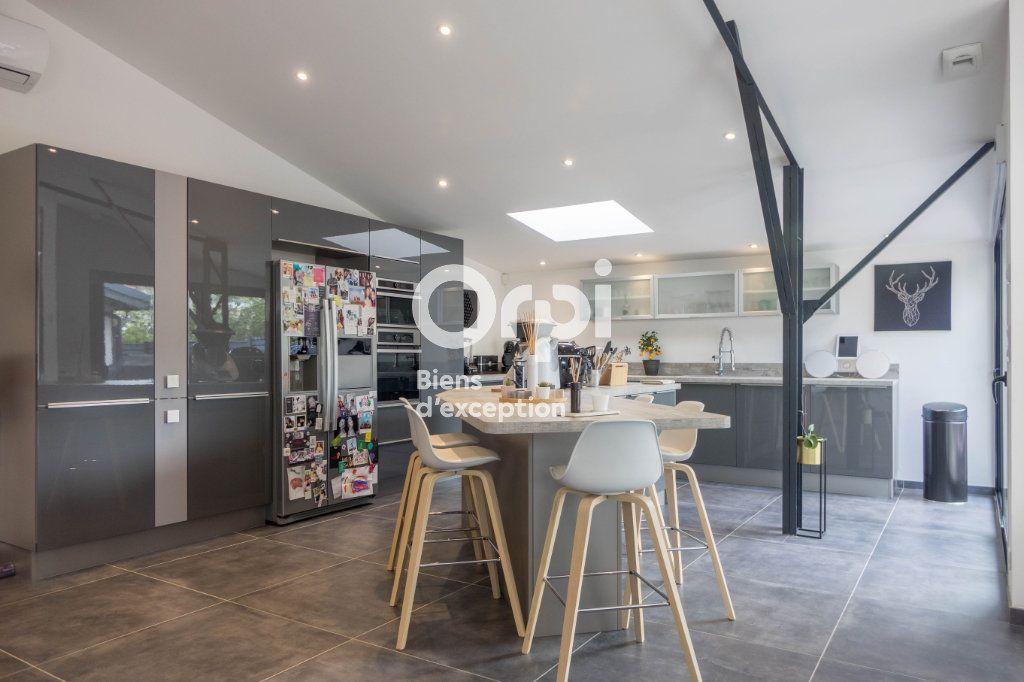 Appartement à vendre 5 160m2 à Fleury-les-Aubrais vignette-4