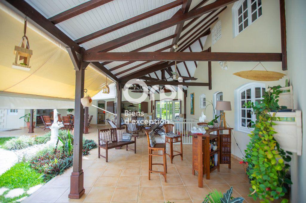 Maison à vendre 8 310m2 à Petit-Bourg vignette-4