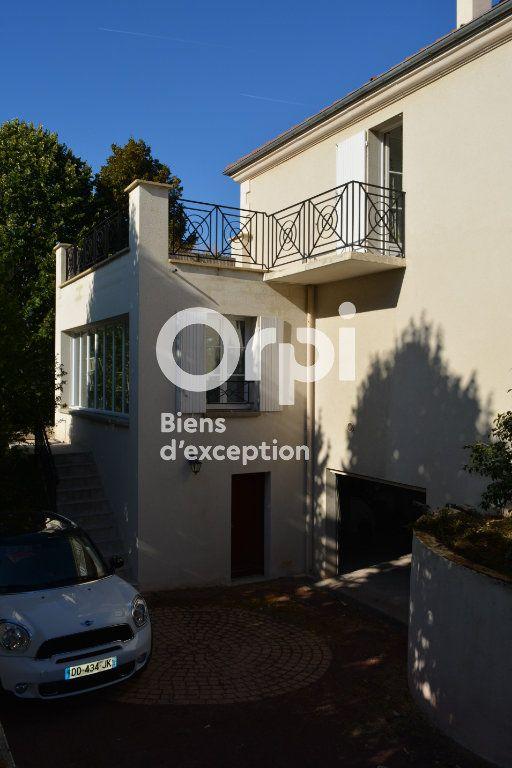 Maison à vendre 10 198m2 à Mandres-les-Roses vignette-4
