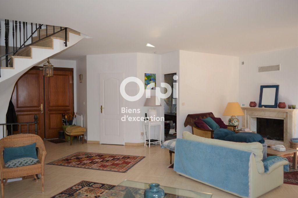 Maison à vendre 10 198m2 à Mandres-les-Roses vignette-6