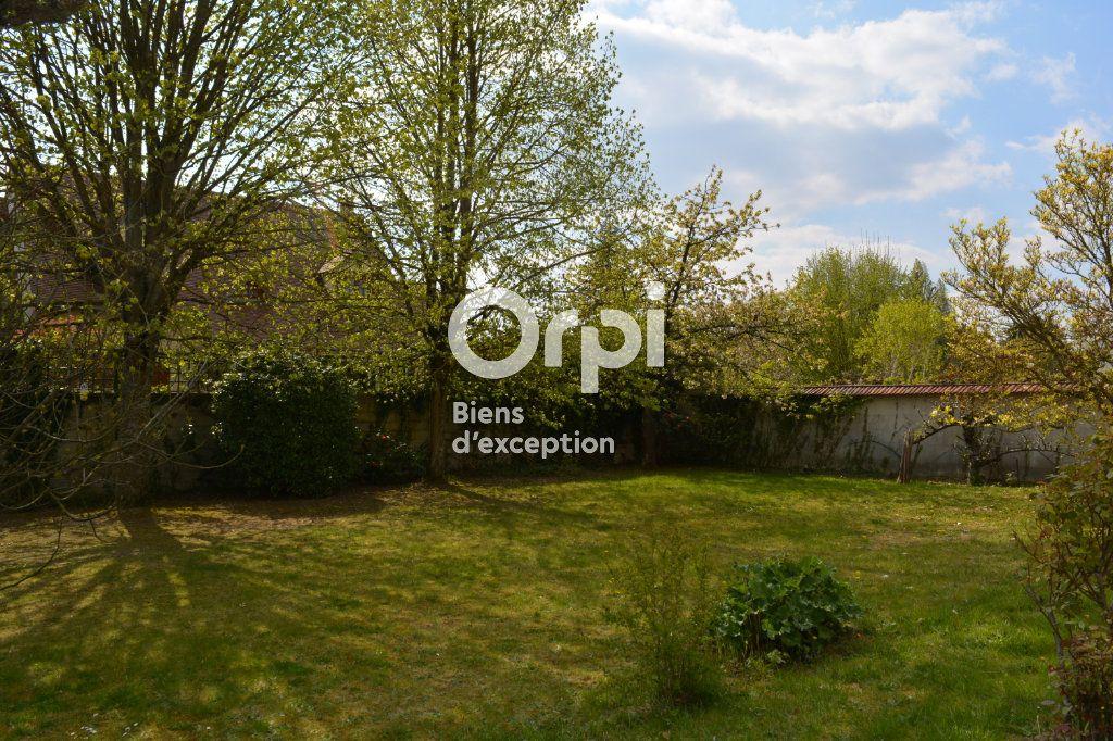 Maison à vendre 10 198m2 à Mandres-les-Roses vignette-17