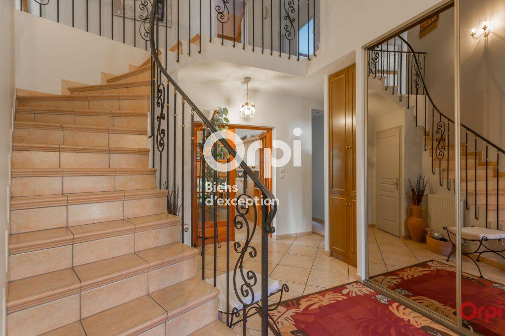 Maison à vendre 7 177m2 à Yerres vignette-2